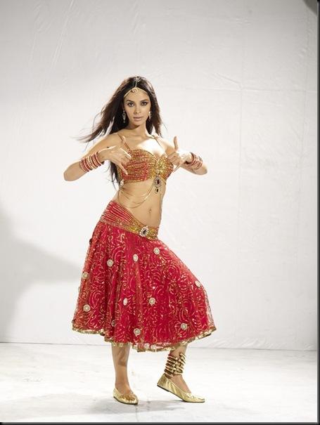 Malika Sherawat munni song stills osthi2