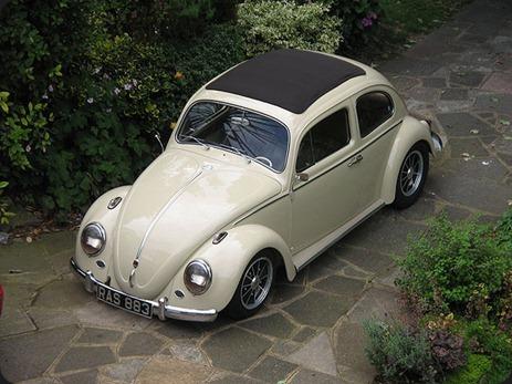 11117-00000097c-bec4_VW-Beetle-Ragtop-036