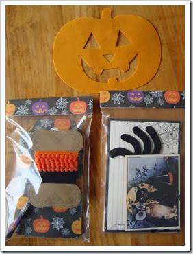 snailmail halloween 004