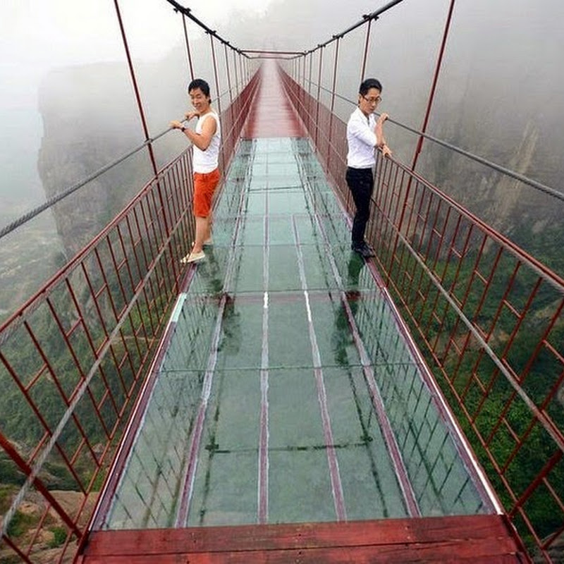 Terrifying Glass-Bottomed Bridge Opens in China