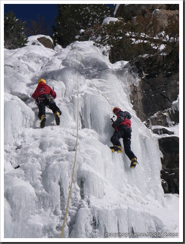 Cascada de Hielo del Parking (Balneario Panticosa, Pirineos) 7822