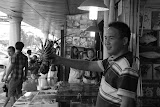 Shanghai - Marché poisson - Fier de son crustacé
