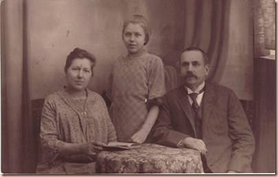 Anna Bartels, Maria Korbach Bartels, Daniel Mathias Bartels c 1910