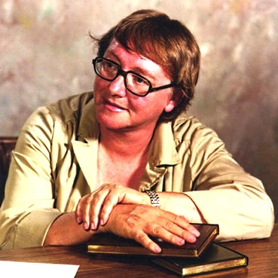 Marion Zimmer Bradley ebooklivro.blogspot.com