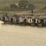 Sur la route pour Dakha - Traversee du Gange (9).JPG