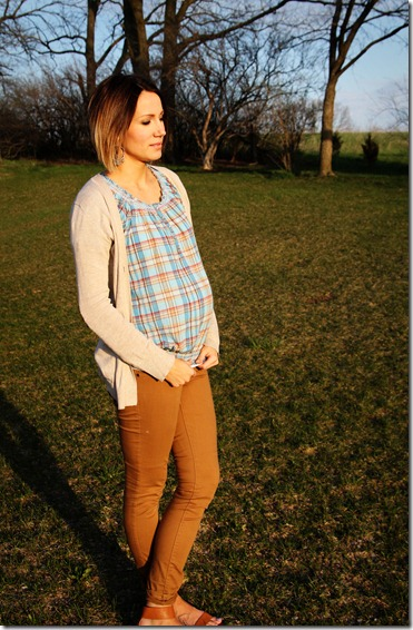 plaid-top-maternity-style