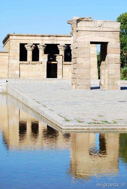 con sus reflejos - templo de debod - madrid