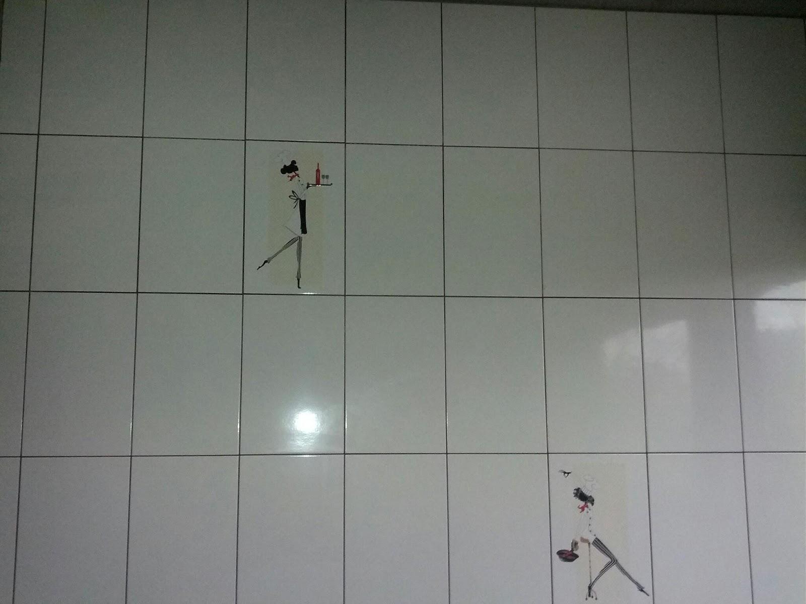 Diário da minha obra: Novidades #5C4E49 1600x1200 Banheiro Branco Com Rejunte Escuro