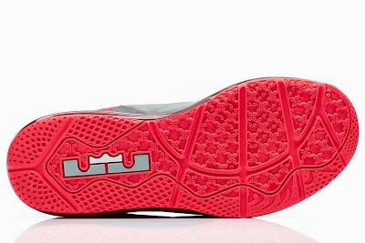 nike lebron 11 low gr laser crimson 2 01 Release Reminder: Nike Max LeBron XI Low Laser Crimson