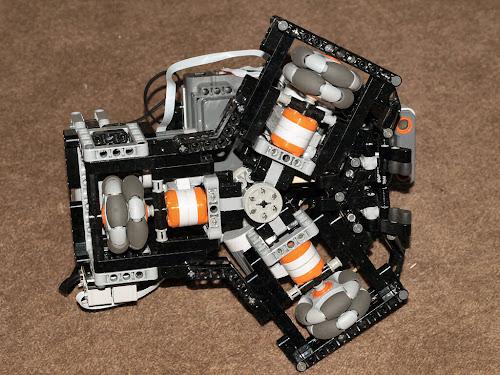 LEGO Mindstorms NXT<br /> Soccer Bot - Mark I
