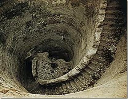 cisterna women Figura 1) trm sagital la cisterna magna está delimitada por la superficie inferior del cerebelo, la cara posterior de la médula cervical y la superficie interna del hueso occipital, recubierto éste por la duramadre y la aracnoides.