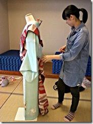 袴の他装着付け練習 (2)