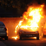 News_110427_VehicleFire_Xat15
