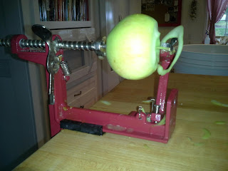 peeling apples, apple peeler