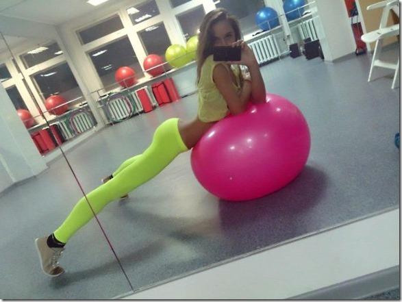 yoga-pants-pics-27