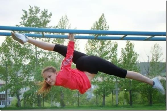 girls-stretching-yoga-020