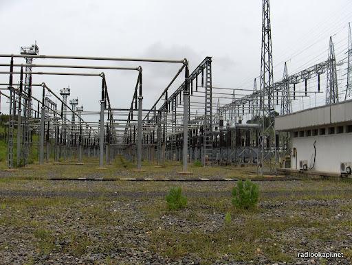 Poste de dispersion d'Inga où l'électricité part vers les lignes HTA (SNEL), 2006.