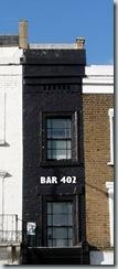 bar 402