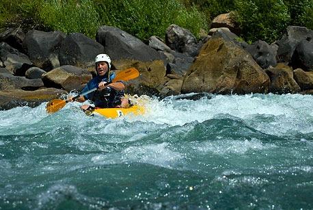 Rafting y Kayak  en los ríos cordilleranos de Neuquén.
