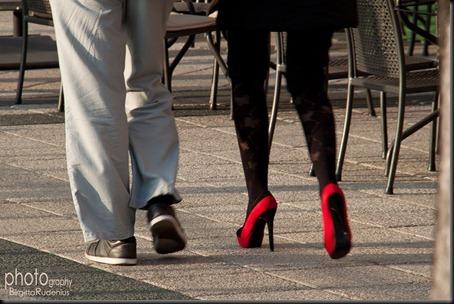 feet_20120331_reds