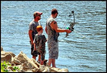 03d - Bow fishing for Asian Carp