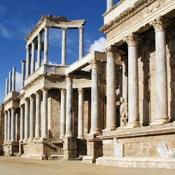 67 - Escenario del Teatro romano de Merida