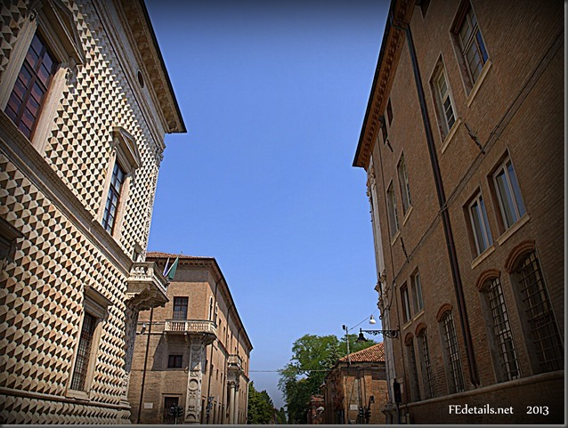 Il Quadrivio degli Angeli. Foto 1, Ferrara, Emilia Romagna, Italia - The Crossroads of the Angels. Photo 1, Ferrara, Emilia Romagna, Italy - Property and Copyrights of FEdetails.net  (c)