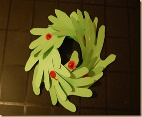 handy-paper-plate-wreath7