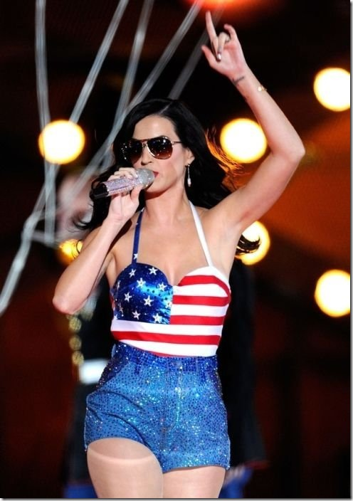 katy-perry-breasts-5f19ad