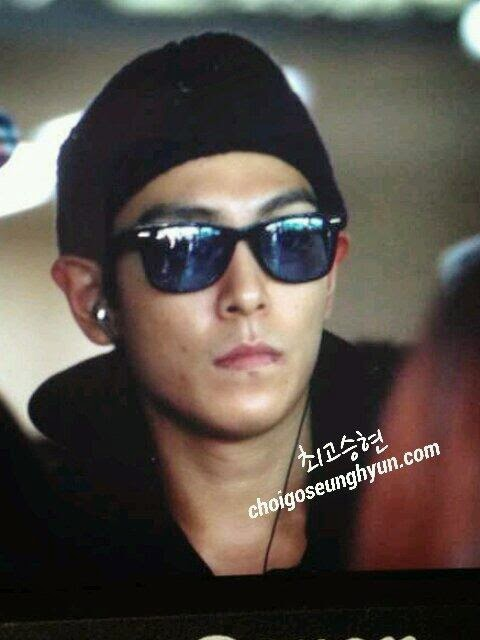 TOP - Gimpo Airport - 14apr2014 - Fan - Choidot - 2.jpg