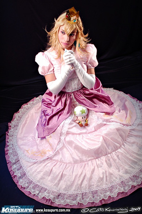 princesa peach cosplay Princess Peach cosplya desbaratianndo (1)