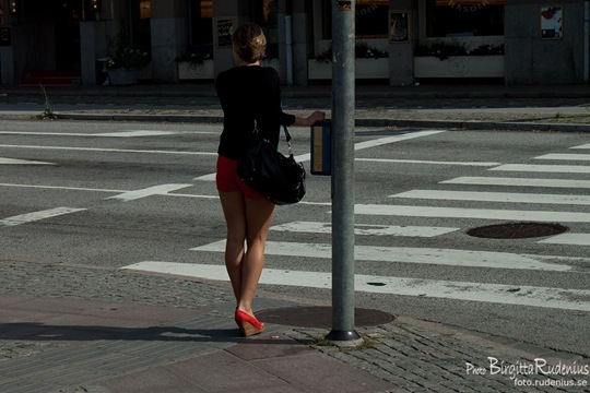 people_20110803_redshorts