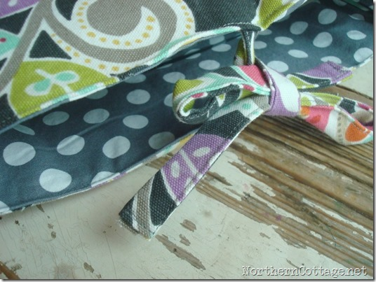 casserole carrier ties @NorthernCottage.net
