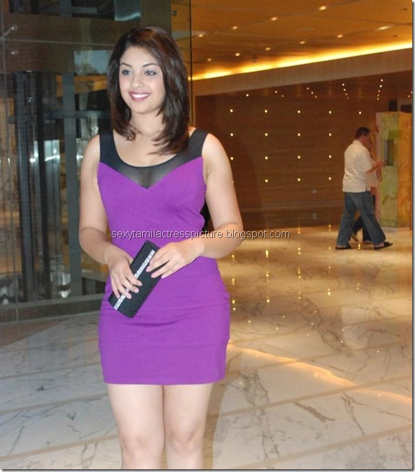 actress-richa-gangopadhyay-hot-stills-mini-skirt-picture