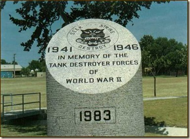 Fort_Hood_Tank_Destroyer_Monument