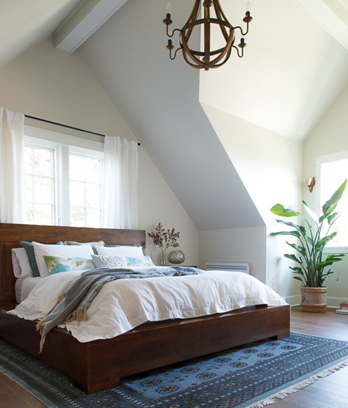 wood bed frame white bedding