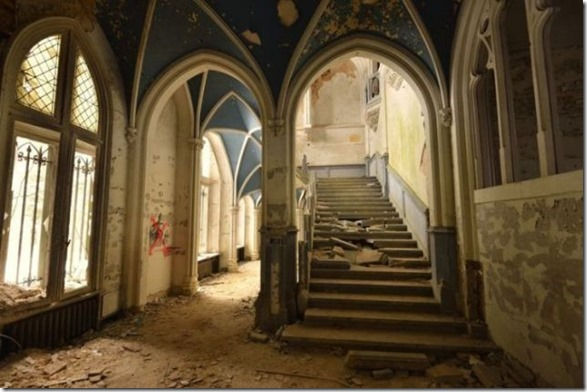 abandoned-castle-belguim-41