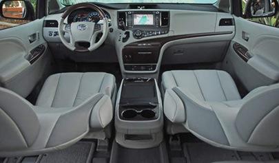 2011-Toyota-Sienna-LTD.1