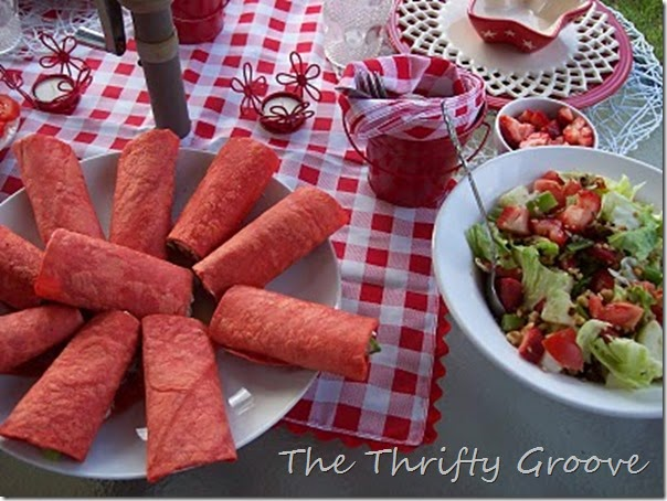 red & white lunch 078