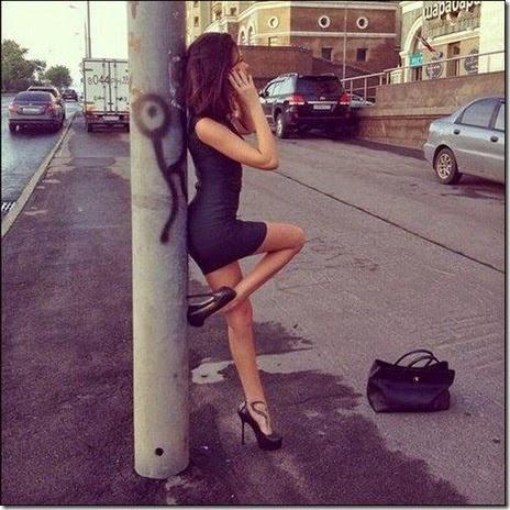 women-street-walkers-028