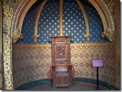 2004.08.28-021 chambre du roi du château