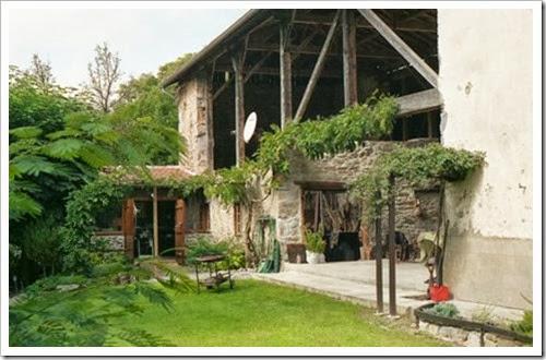 Hameau de LANNES, chez Vincent & Nadya: salle à manger d'été, atelier et extension future