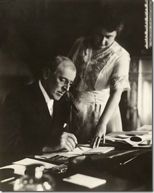 816px-Woodrow_and_Edith_Wilson2
