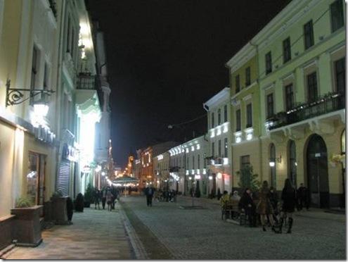 Чернівці, вул. Ольги Кобилянської вночі