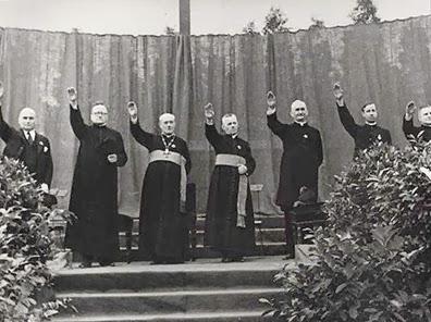 sacerdotes franquistas