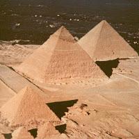 16.- Pirámides de Gizeh