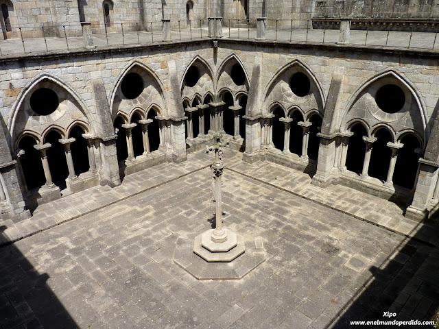 claustro-catedral-de-oporto.JPG