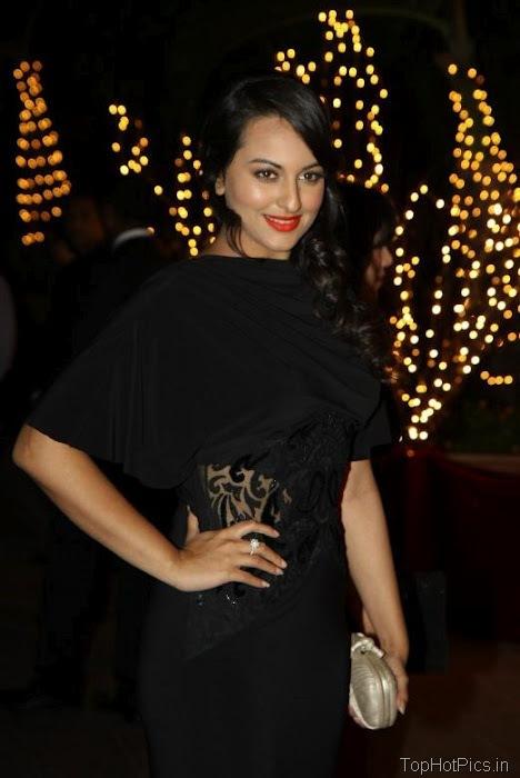 Sonakshi Sinha Hot in Black Dress 2