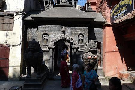 Poarta templul de aur Patan