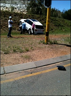 FERREIRA THOMAS BIKER IN COMA AFTER RUN DOWN BY MEC BLUELIGHT BMW ACCIDENT SCENE PIC BY NIEL MULLER Nov42011